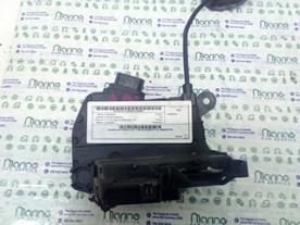 SERRATURA PORTA POST. C/BLOCCAGGIO E DX. RENAULT CAPTUR (04/13-) K9K629 805027072R