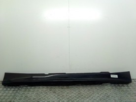 MINIGONNA RIVESTIMENTO SOTTOPORTA DX BMW SERIE 1 (E87) (09/04-03/07) 204D4 NBA047004031005